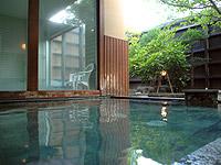 海水よりも塩分が強い泉質を持つ小樽の日帰り温泉施設。