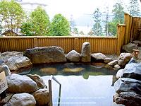 北海道で最も標高が高い自然湖、然別湖の温泉宿。